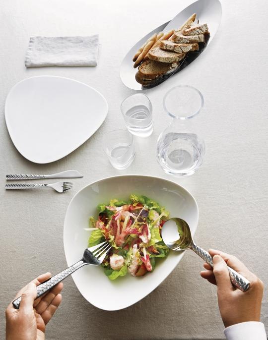 1-Alessi-Colombina-visbestek-sfeer-met-glas-en-servies