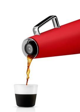 502907_Vacuum_jug_heat-indikator_red_pouring